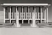 Classical meets Modernism - The National Library of Australia