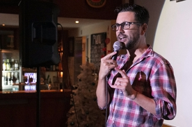 Based Comedy at the Dog and Parrot Tavern