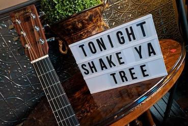 Shake Ya Tree - Back at the Pirates Tavern, Williamstown
