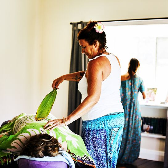 Lomi Lomi Massage Training Retreat