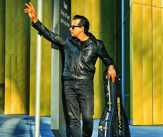 Hits Bits & Beyond - Jason Singh - Taxiride